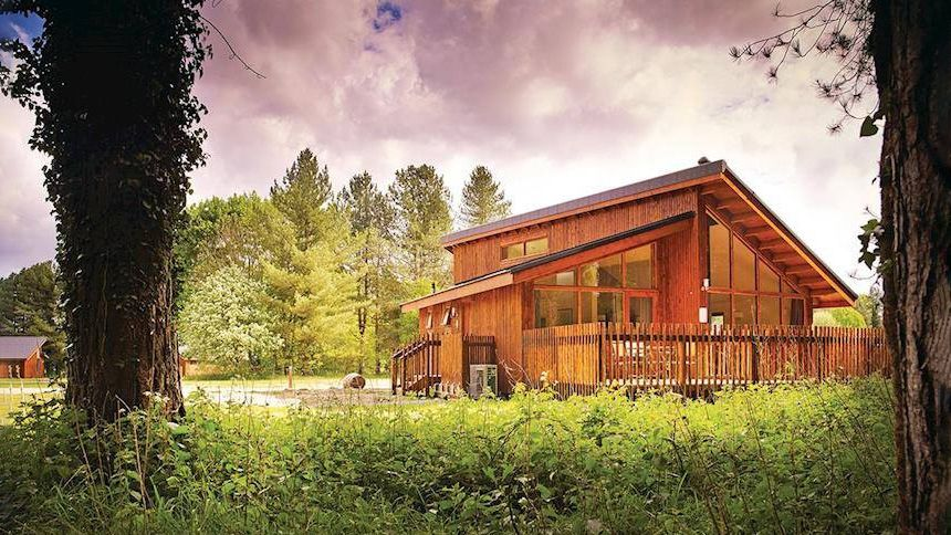 2019 Lodge Breaks. Up to 10% NHS discount + low £25 deposit