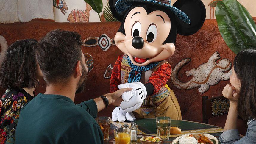 Disneyland Paris - Save up to 30% this Christmas