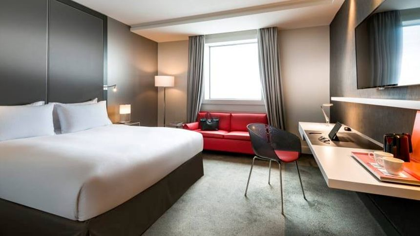 UK & Worldwide Hotels - £25 off for NHS
