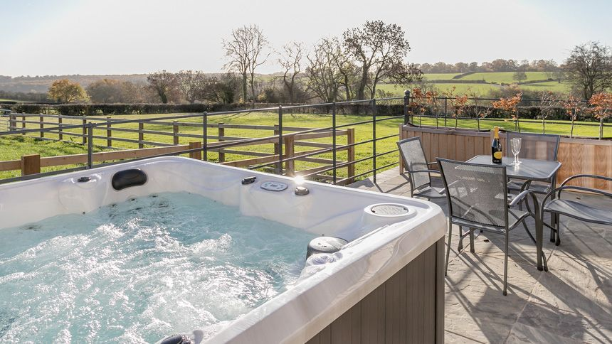 Hot Tub Breaks - From £295 + up to 10% NHS discount
